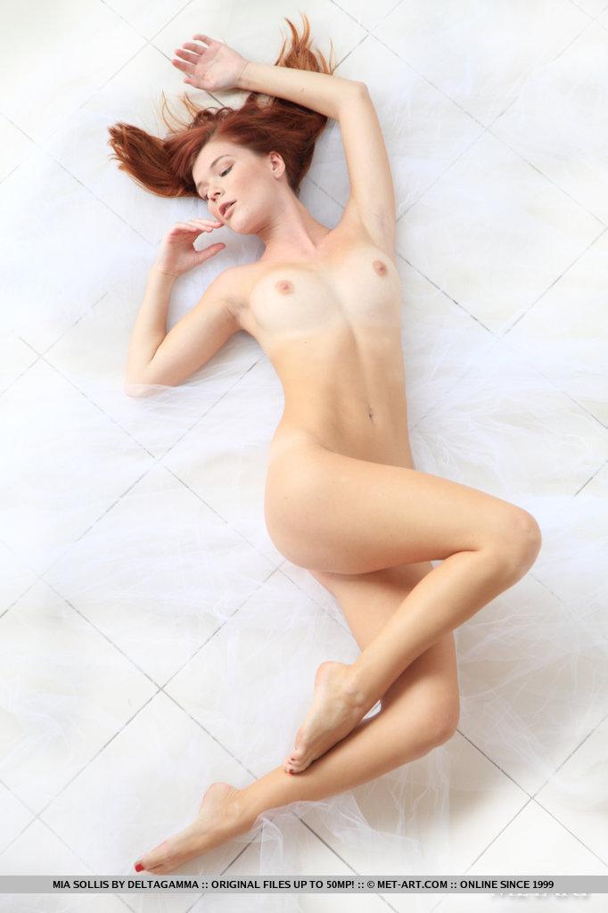 Эротические фотосеты Mia Sollis. Часть 2
