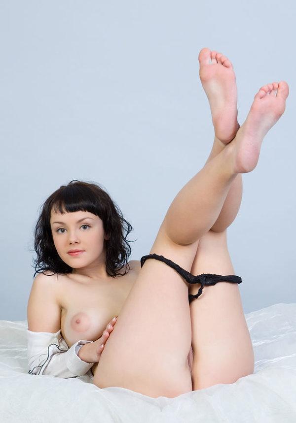 Mirelle A Nude