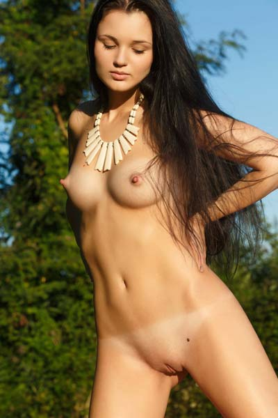 Hot outdoor photo session with amazing Celeste