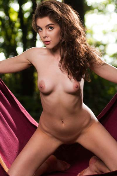 Outdoor relaxation with slender babe Dakota A