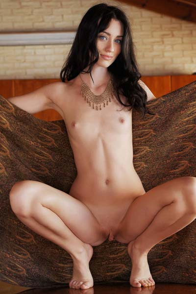 Zsanett Tormay loves to display her stunning body on the camera