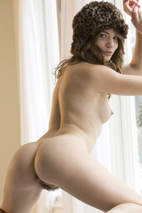 Misty Lovelace want to warm you up with her hot and nautal curves