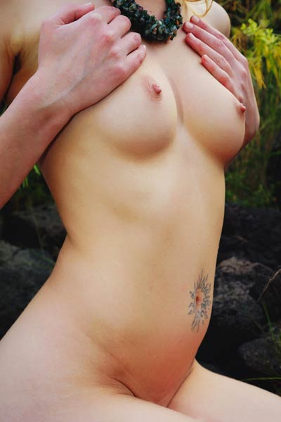 An outdoor photo shoot with an amazing babe with a shaved and yummy cunt