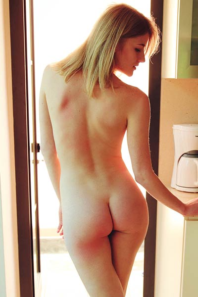 Romantic babe Mila I playfully poses naked in the kitchen and shows us her cooking skills