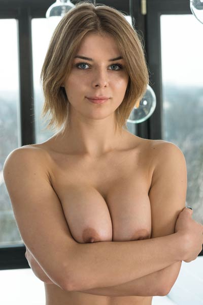 Those fabulous large boobs are the best sexual assets of this sexy model