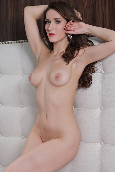Top class model Elina is in her bedroom stripping and exposing her amazing attributed