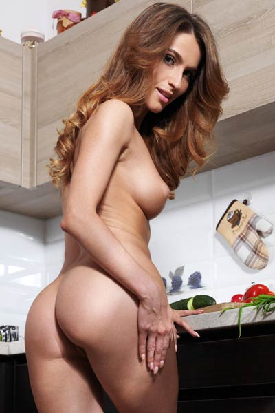 Cara Mell is ready to show you her attributes and cooking skills