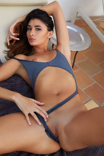 Bambi Joli knows how to make you horny with her body showing