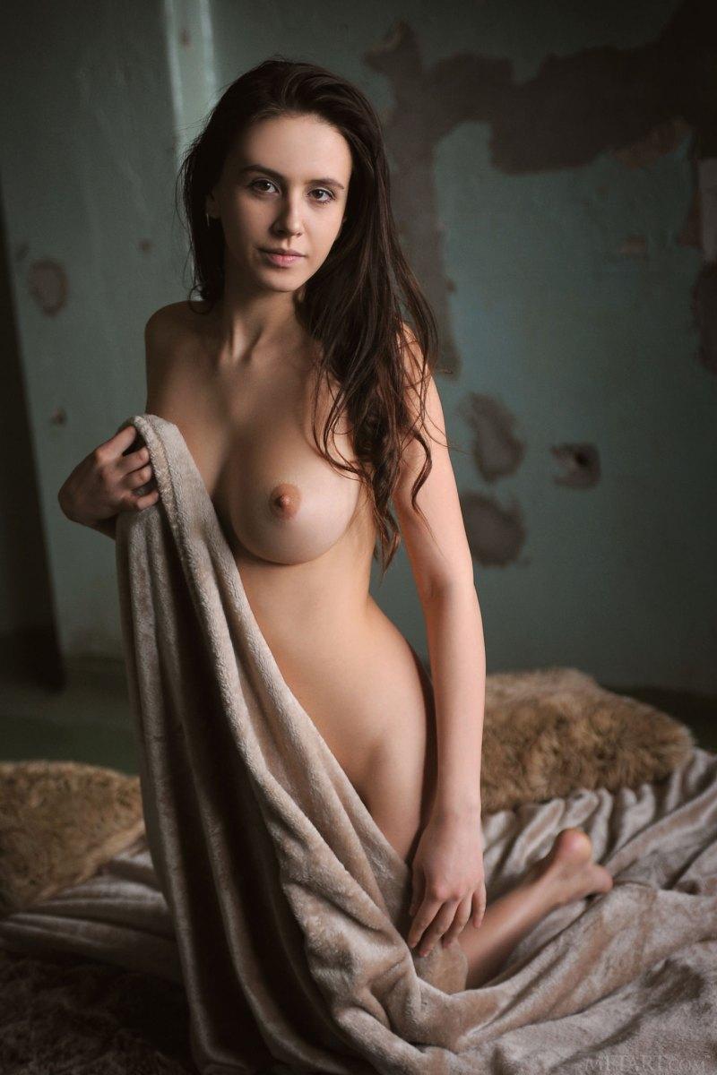 Эротические фотосеты Alisa Amore