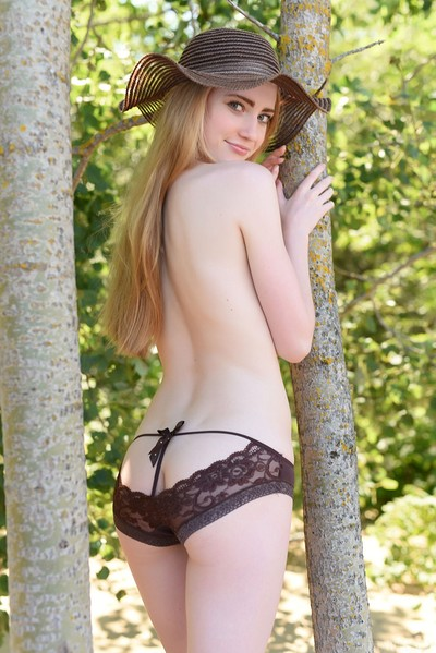 Lena Flora in Natural Beauty from Met Art