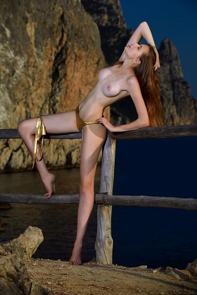 Elle Tan in Bridge to Sexy from Met Art